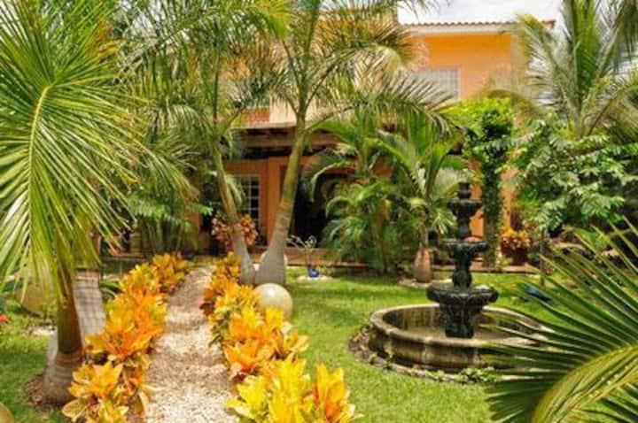 BambooManor-3BR Villa with pool/Beach 2min walking