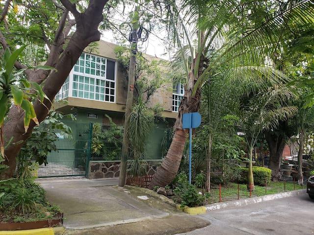 Habitacion con entranda intependiente #2