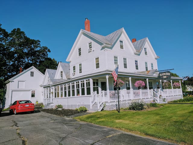 Inn lodging