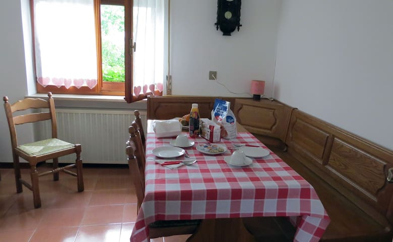 B&B facing Dolomiti Mountains