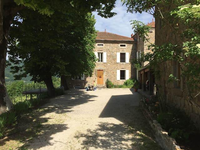 chambre privée chez l'habitant - Désaignes - Guesthouse