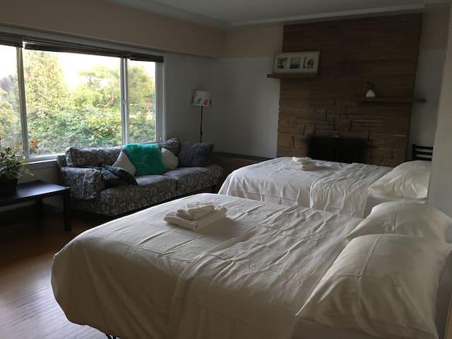 甘比别墅花园景双床房