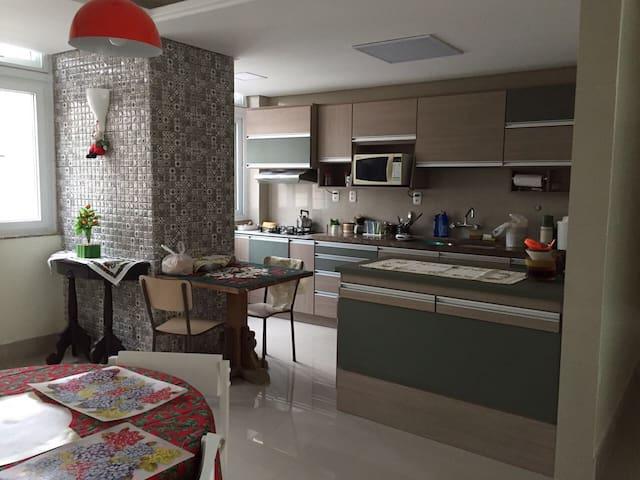 Apartamento 3 quartos -  2 quadras Praia - Torres