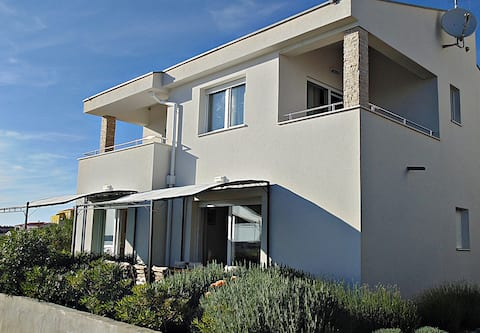 Holiday house near the sea