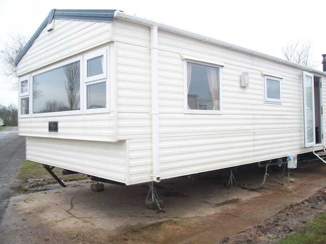 Sand Le Mere Static Caravan - East Riding of Yorkshire - Outro