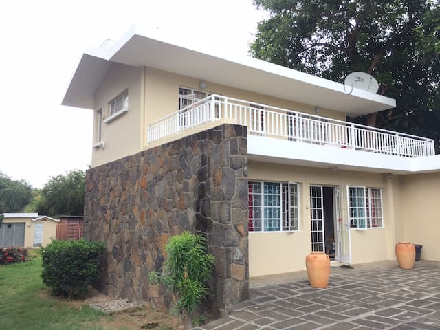 Perfect Location Close To Beach (Big Garden House)