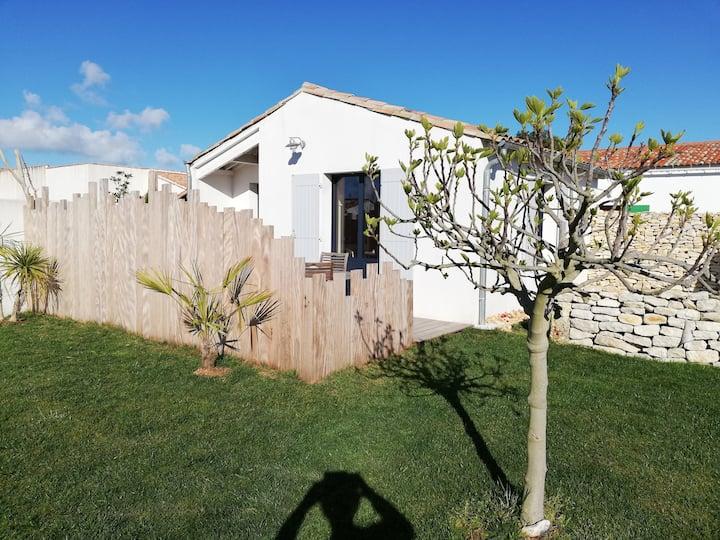 petite maison dans les vignes réthaises proche mer