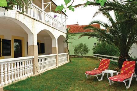 2 Bedrooms Apts in Marina - Marina