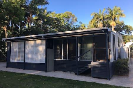 Cute 2 bedroom beach cottage - South Golden Beach - Ev