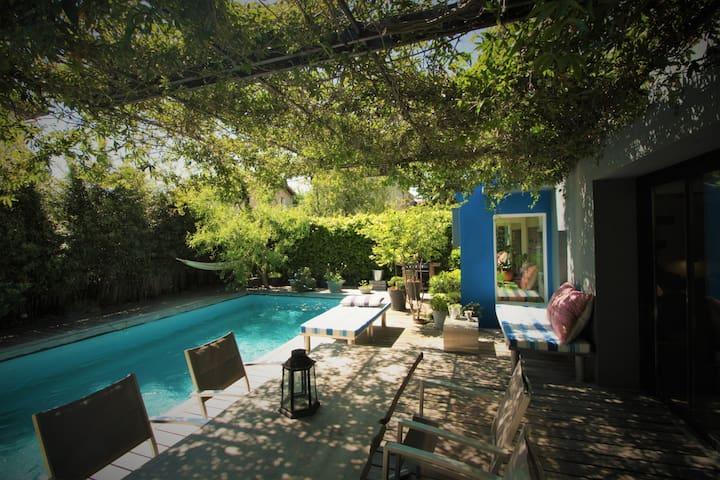 Jolie maison année 1930 avec piscine