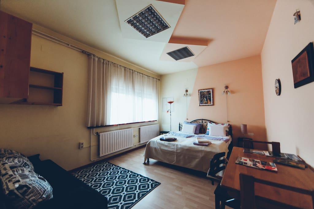 Master bedroom: double bed room with sofa bed (sleeps 2). Queen size 180x200, hand made bed