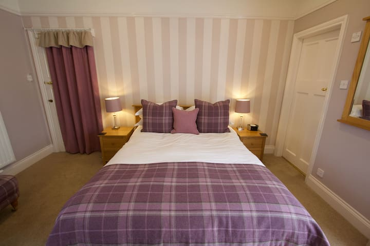 King Size Double Ensuite Room