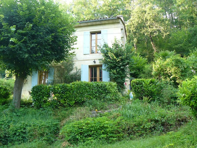 Welcome to the beautiful Bordeaux countryside - Cenac - Rumah