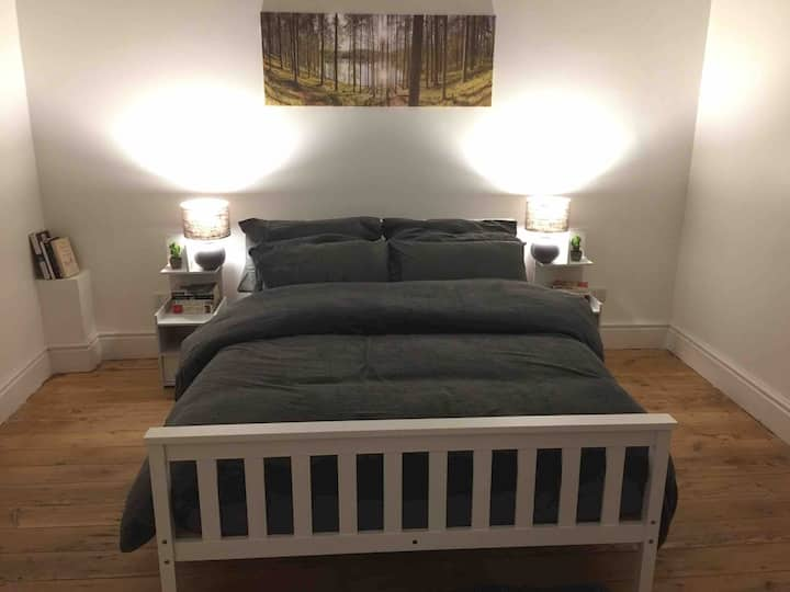 Affordable, Quiet Location, free parking, friendly