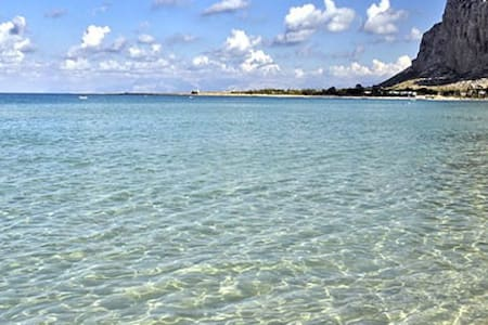 Apartment a short stroll from the sea. - San Vito Lo Capo - อพาร์ทเมนท์