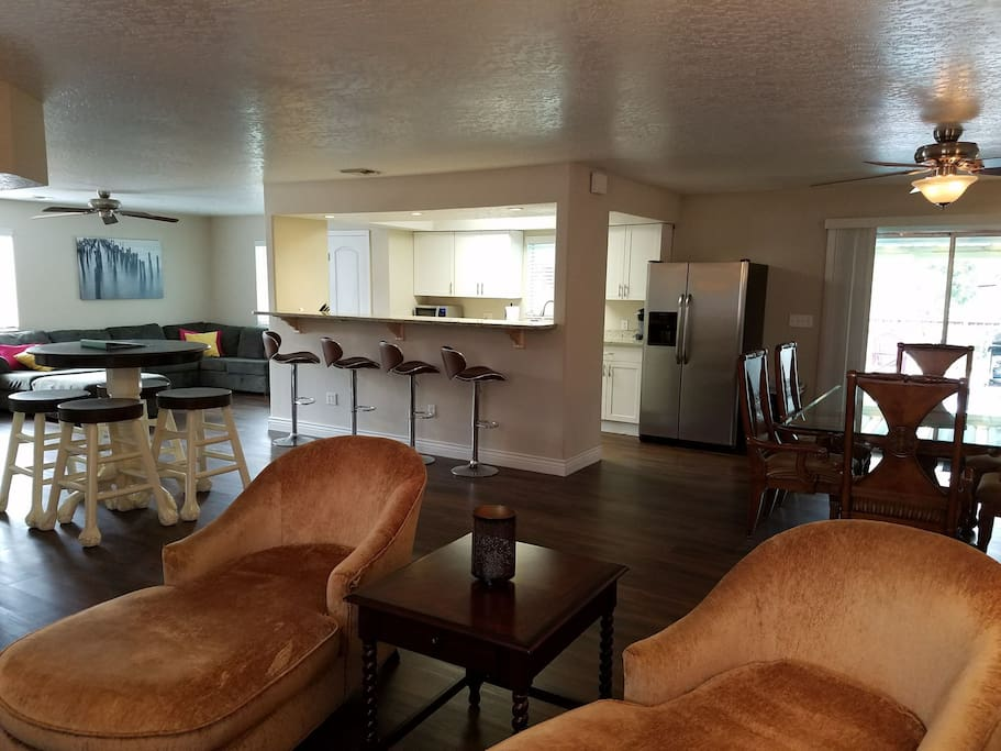 Spacious Living, Dining & Kitchen with Multiple Gathering Areas