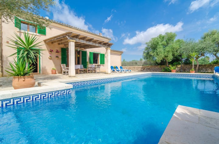 S'ESCOLA - Villa with private pool and fantastic porches to enjoy nice evenings alfresco. Free WiFi