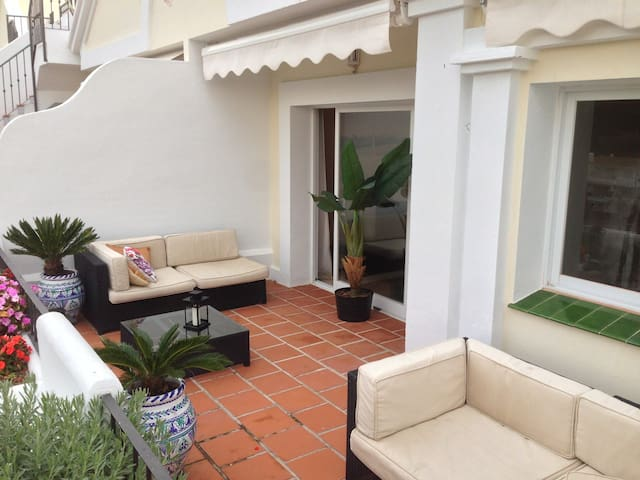 2 spaces Relaxed Terrace