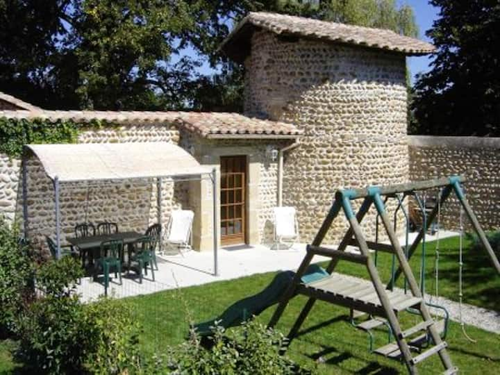 House with 2 bedrooms in Anneyron, with enclosed garden and WiFi