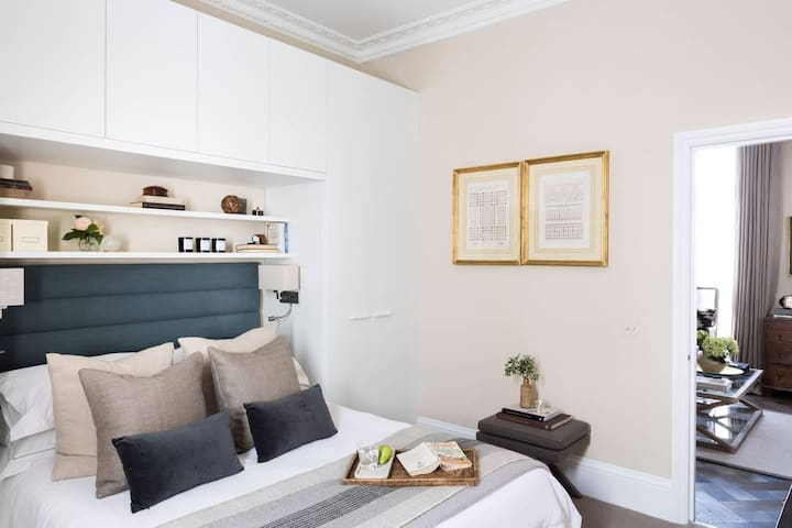 Gorgeous Chelsea 1BR Flat next to King's Road