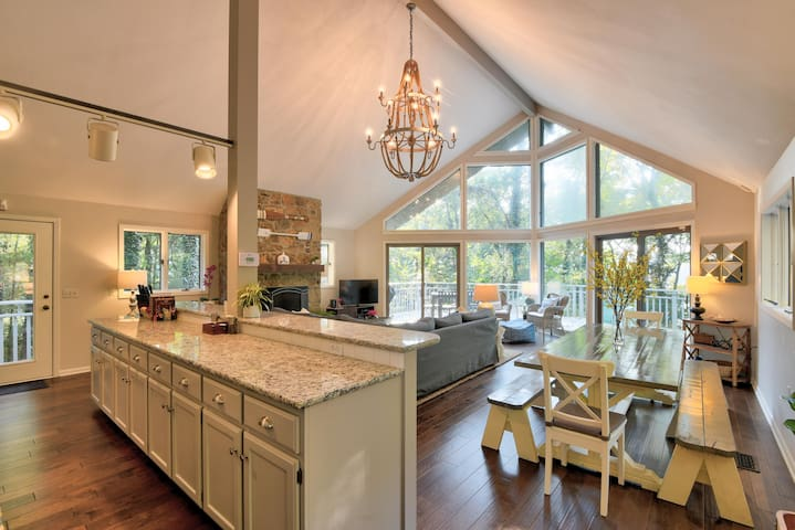 Private, Newly Renovated, Lakefront Home