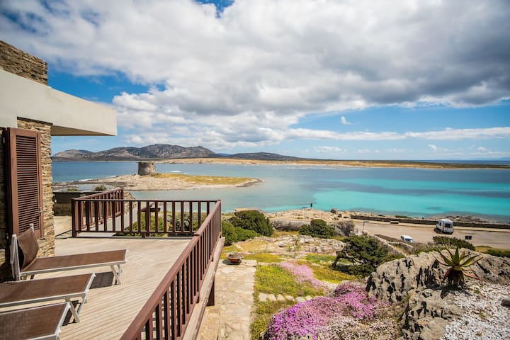 Fantastic Holiday Home in Quiet Location with Wi-Fi, Air Conditioning and Terrace with Sea View; Parking Available; Pets Allowed