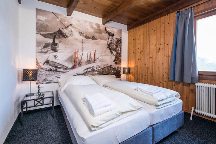 Gorgeous Chalet with Sauna in Königsleiten