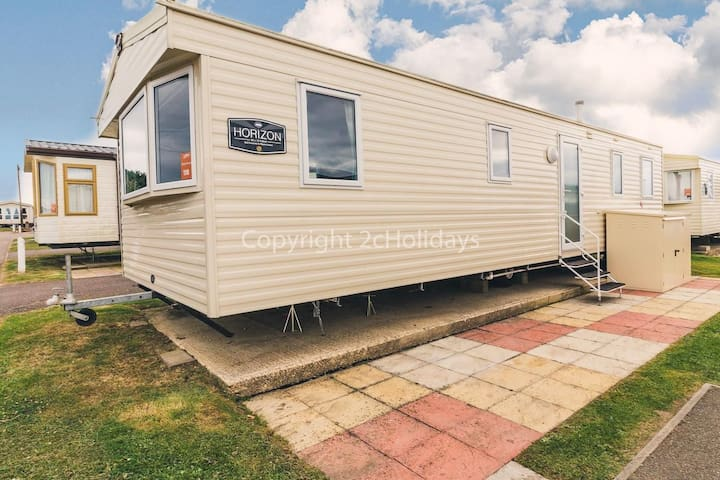 8 berth caravan for hire at Haven Caister beach holiday park  Norfolk ref 30118
