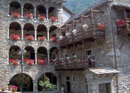 Historic building-CASAVANNI-Double room+balcony
