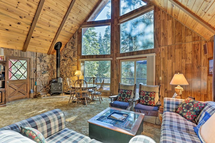 NEW! Lake Almanor Country Club Cabin w/ Amenities!