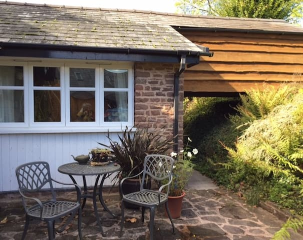 Cosy Annex in quiet village, nr Symonds Yat
