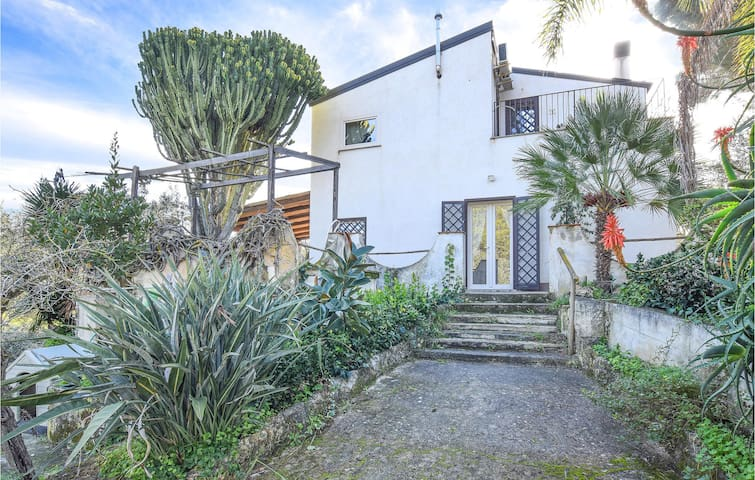 Holiday cottage with 3 bedrooms on 140m² in Balestrate