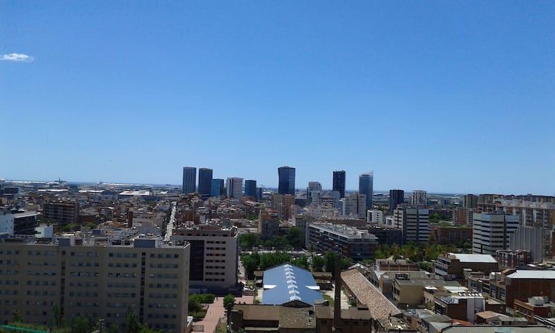house with views over the city - L'Hospitalet de Llobregat - Daire