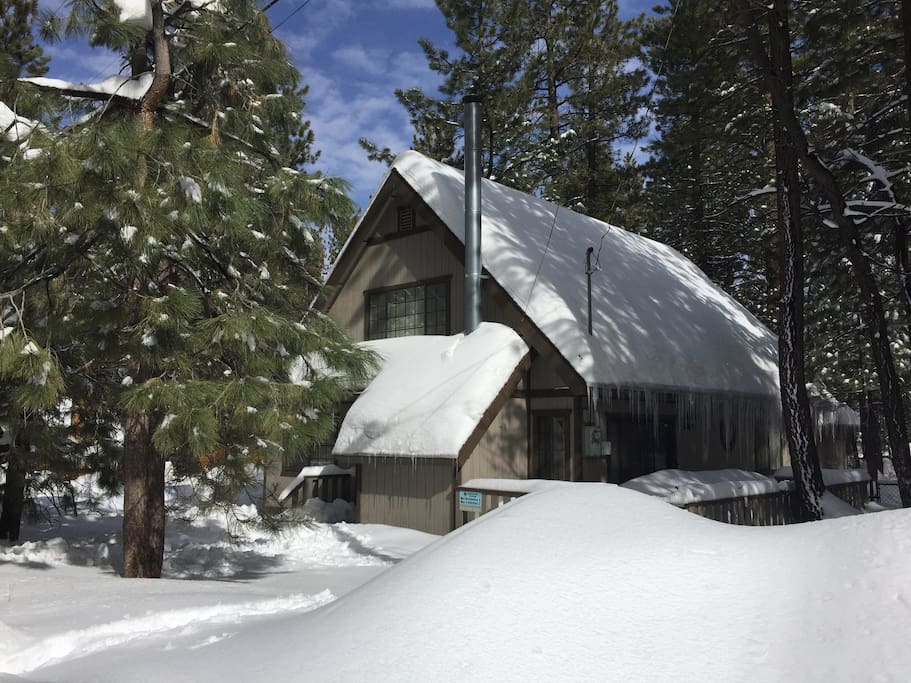 Fantastic cabin walk to snow summit cabins for rent for Snow summit cabin