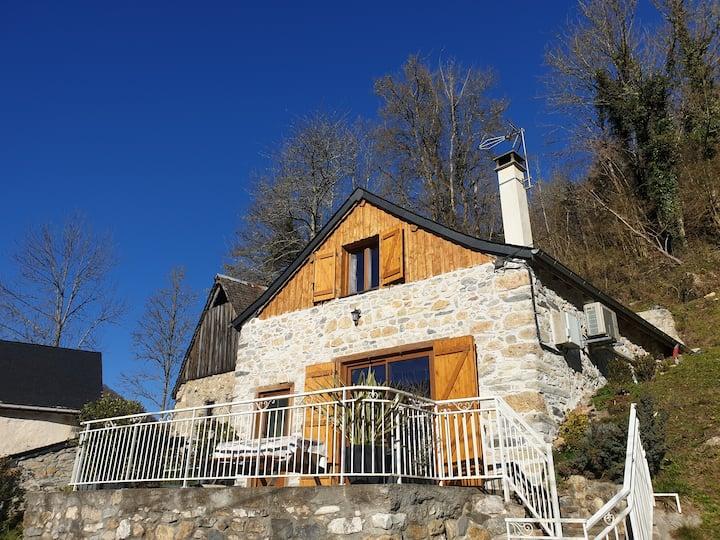 Grange rénovée avec jolie vue sur le Mont Valier