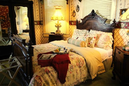Granny Lou's Bed & Breakfast - Bonham - B&B