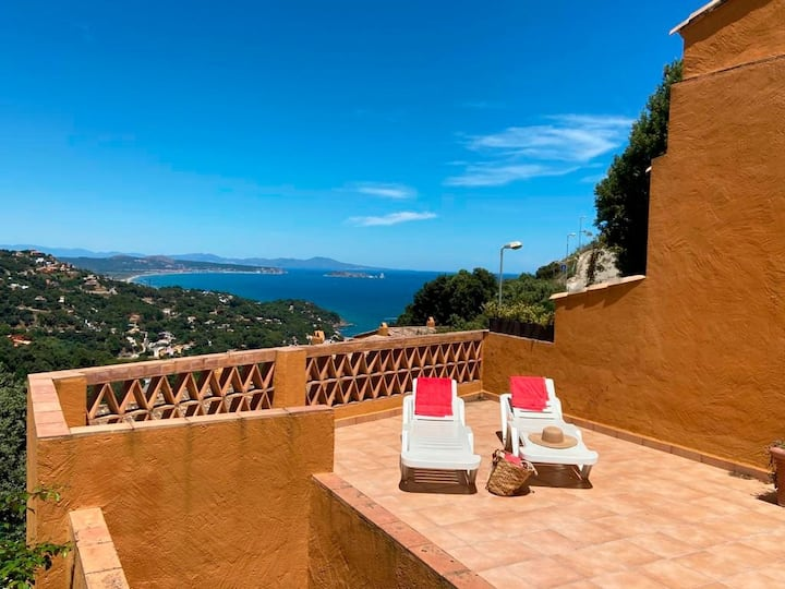 Casa Can Marc ( beautiful views over the sea)