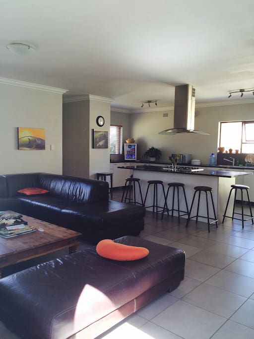 Communal lounge and kitchen area with wifi