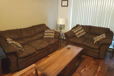 Bright Family Friendly Guest Suite