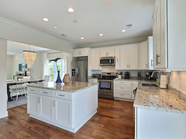 Newly Remodeled Home on North-End of Tybee Island!