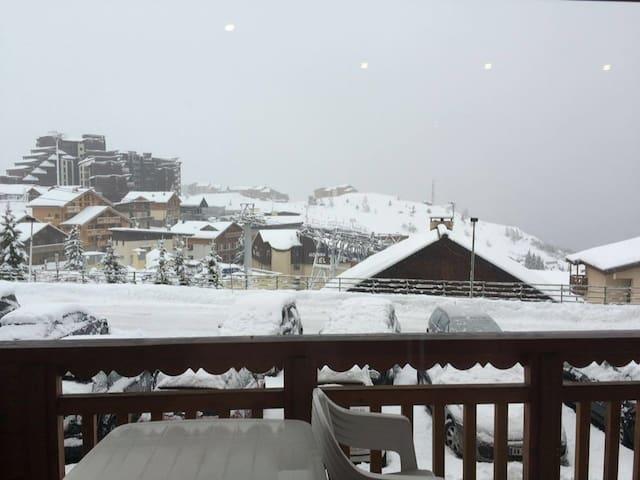 Petit appartement, hyper-centre Alpe d'huez 5 pers - Huez - Byt