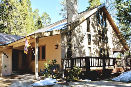 Top Rated Arnold Grand Chalet: Large Master + Loft