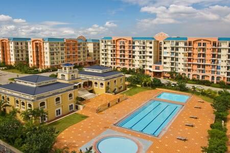 Chateau Elysee Ritz Condominium near airport - Parañaque