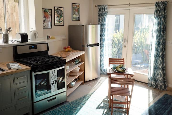 Beautiful one bedroom apartment in Berkeley Hills
