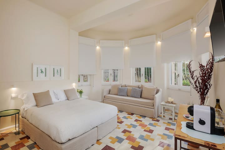 Luxury Room Finely Designed - Comfort and Design