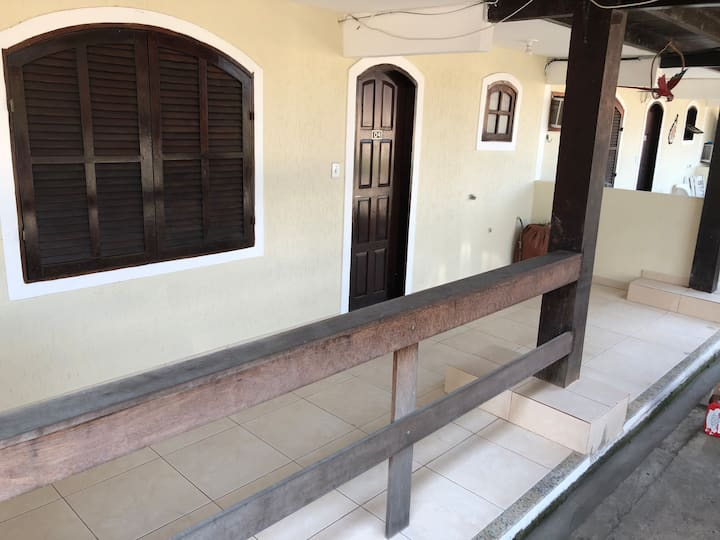 Apartamento a duas quadras da praia de Itaúna.