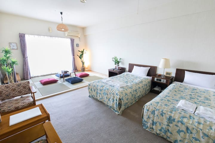 2 comfortable single beds