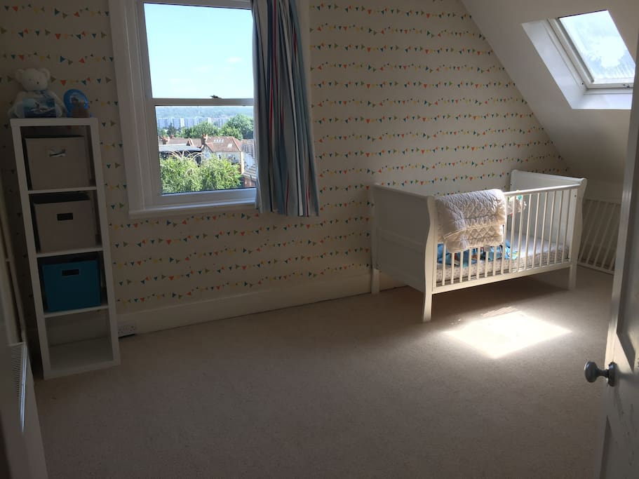 5th bedroom with crib