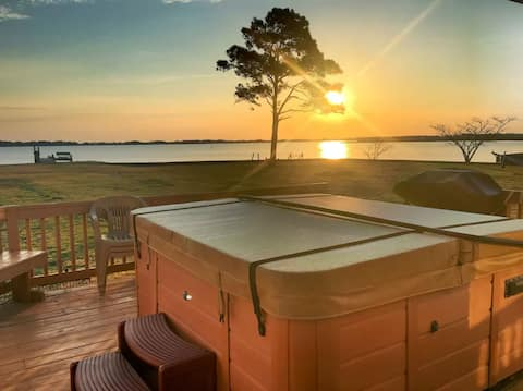 Waterfront, fishing and romantic get away