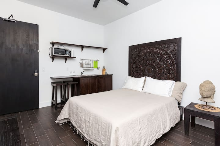 Zen Deluxe Suite 8 | No Cleaning Fee